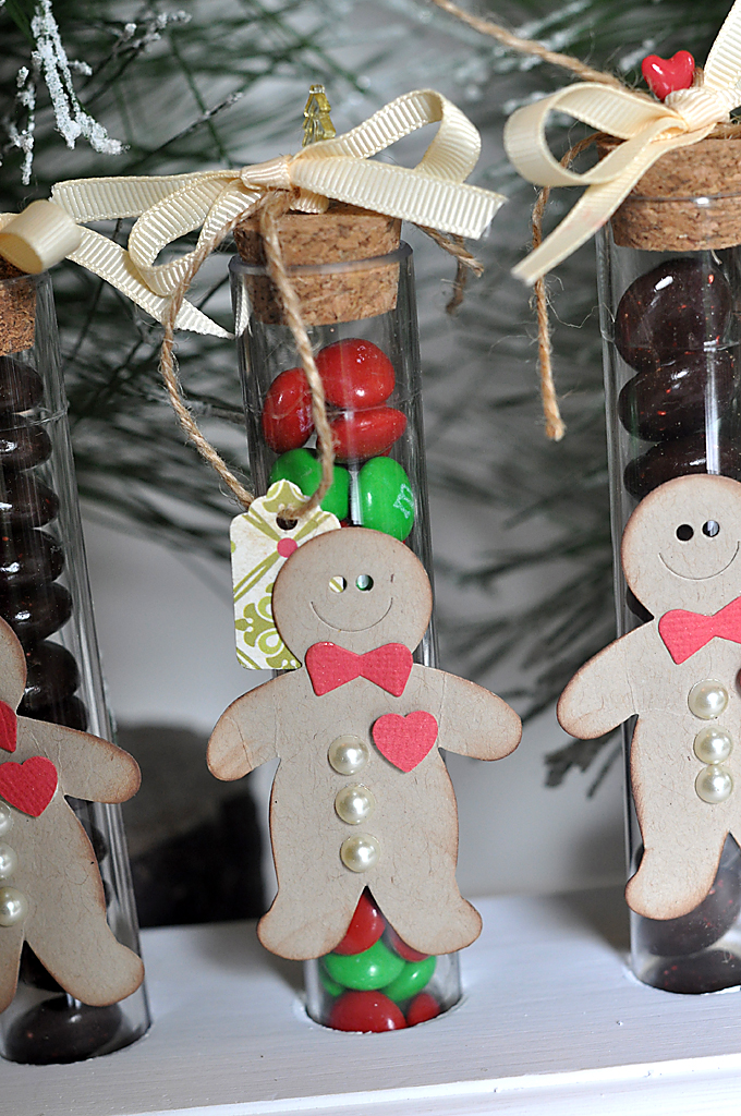 SuzanneSergi_MME_GingerbreadButtons_3
