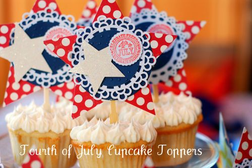 Detail of 4th of July Cupcakes toppers